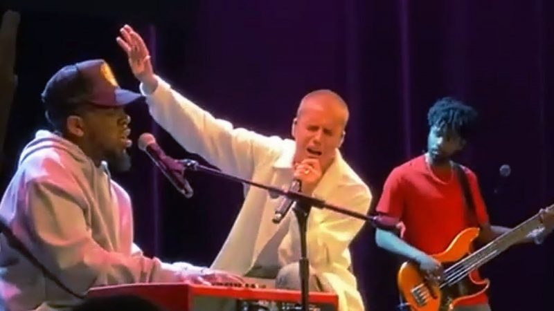 Justin Bieber joins Maverick City Music's Chandler Moore for powerful worship set
