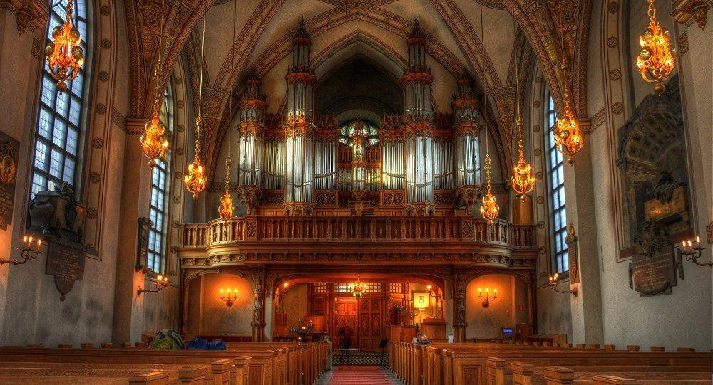 God is Gender Neutral says Swedish Church