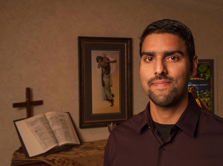 Seeking Allah, Finding Jesus: A Devout Muslim Encounters Christianity.