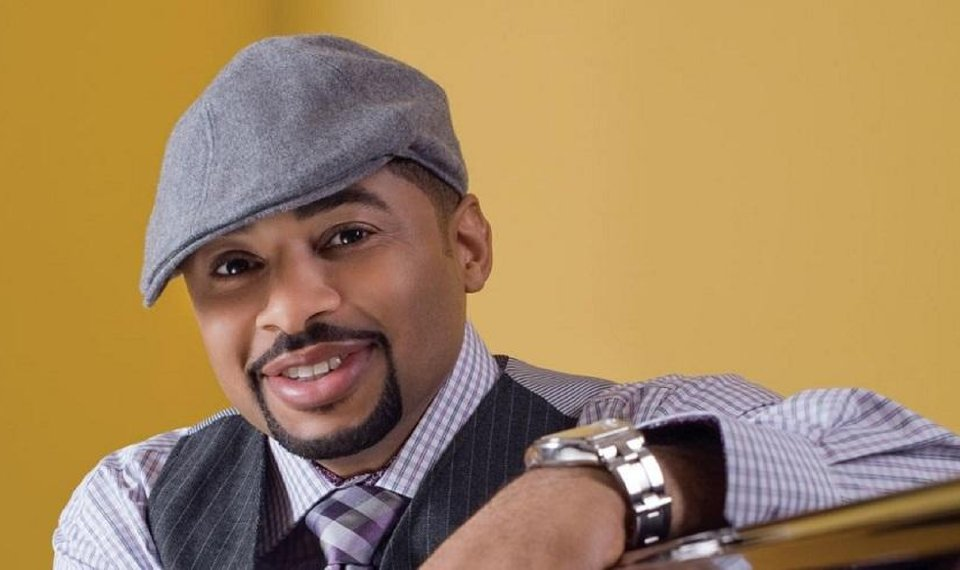 Christian Artist Smokie Norful calls out the Grammys for Snubbing Actual Gospel Artists!