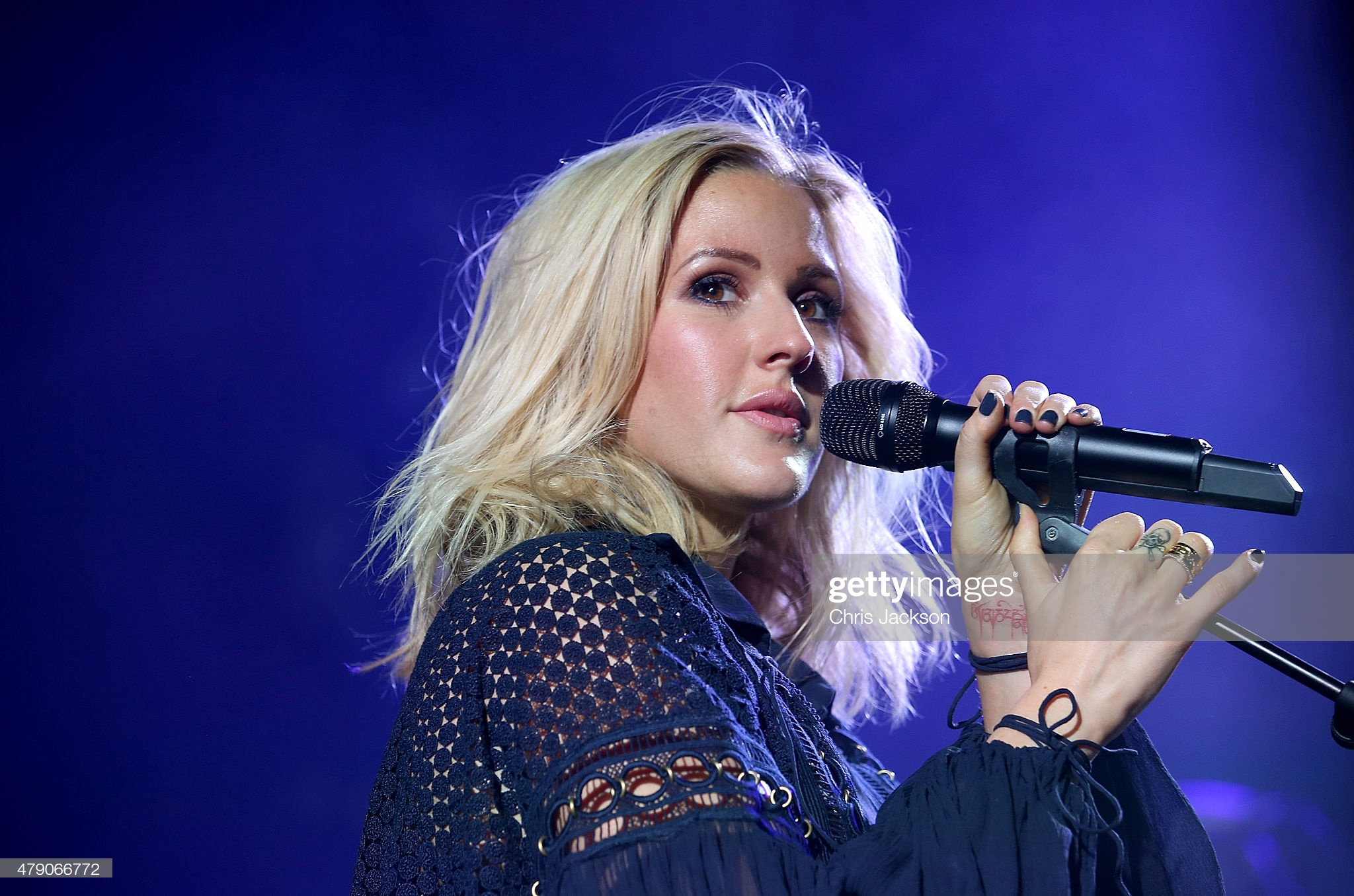 Pop Singer Ellie Goulding Threatens to Cancel Performance at Thanksgiving Football Game Unless Salvation Army Embraces LGBT Agenda